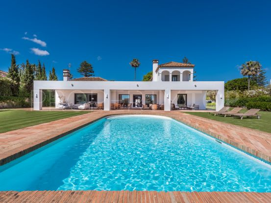 Buy villa with 8 bedrooms in Reyes y Reinas, Sotogrande | Noll & Partners