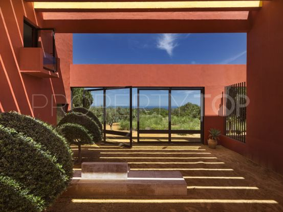 Buy villa with 5 bedrooms in Sotogrande Alto | Noll & Partners