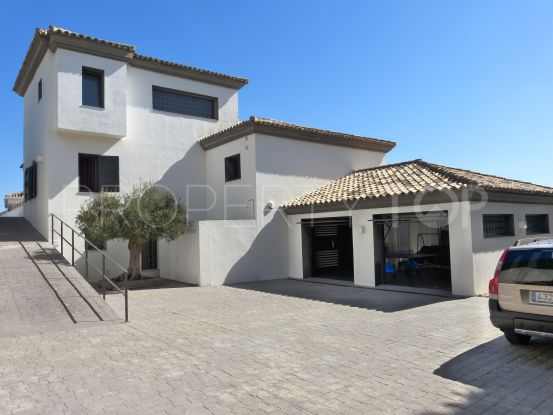 5 bedrooms villa for sale in Alcaidesa | Noll & Partners