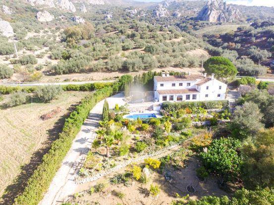 Hotel for sale in Alfarnatejo | Your Property in Spain