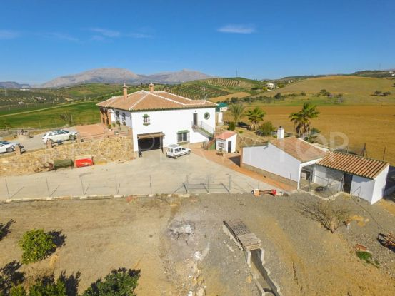 Finca for sale in Alora with 5 bedrooms | Your Property in Spain