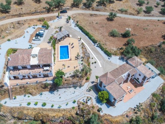 For sale finca with 10 bedrooms in Alcaucin | Your Property in Spain