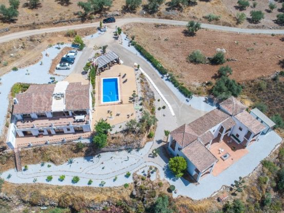 For sale hotel with 10 bedrooms in Alcaucin | Your Property in Spain