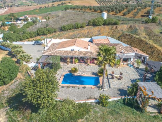 Buy Alora finca with 4 bedrooms | Your Property in Spain
