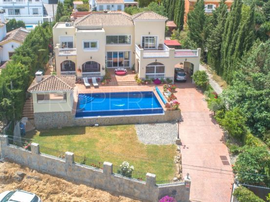 Villa a la venta en Alhaurin el Grande con 4 dormitorios | Your Property in Spain