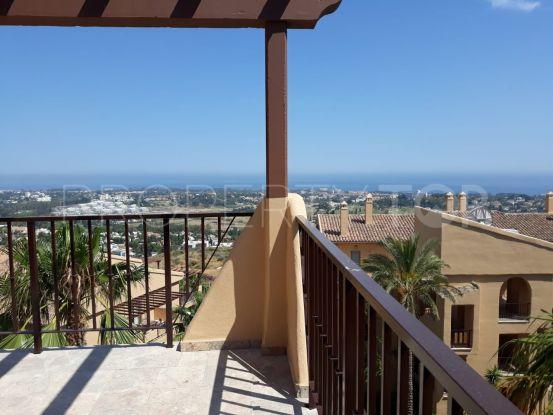 For sale penthouse with 2 bedrooms in La Alqueria, Benahavis   Quartiers Estates