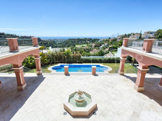 Villa for sale in Los Arqueros with 9 bedrooms | Quartiers Estates
