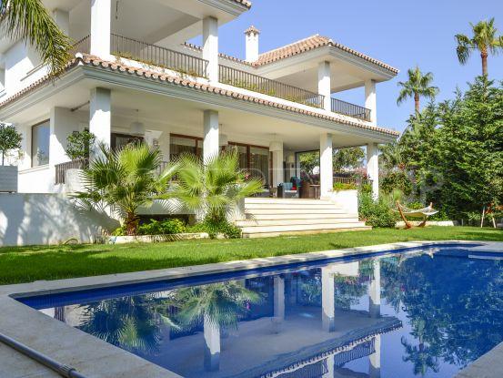 Villa for sale in Cortijo Blanco with 5 bedrooms | Quartiers Estates