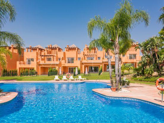 Buy town house in Benahavis | Quartiers Estates
