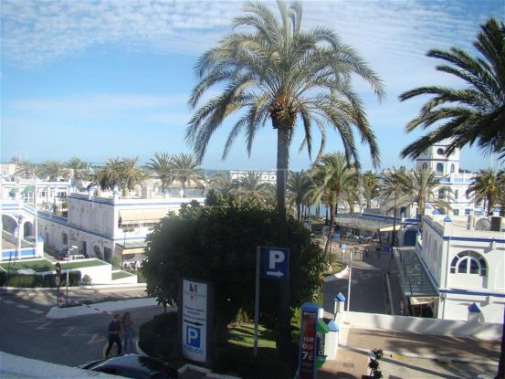 2 bedrooms Estepona penthouse for sale | Campomar Real Estate