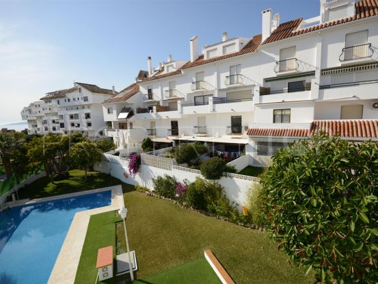 For sale 5 bedrooms town house in Seghers, Estepona | Campomar Real Estate