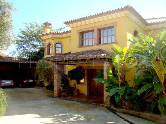Villa for sale in Estepona | Campomar Real Estate