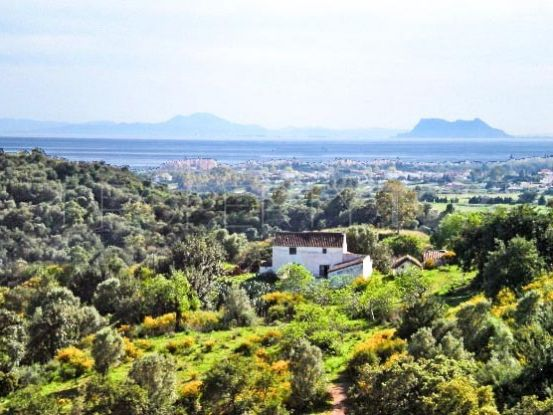 Residential plot for sale in Estepona | Campomar Real Estate