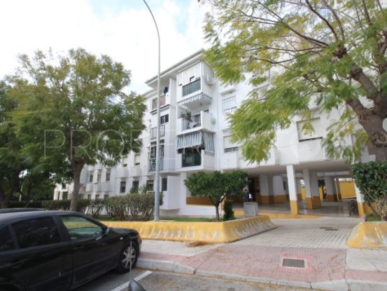 4 bedrooms Estepona apartment for sale | Campomar Real Estate