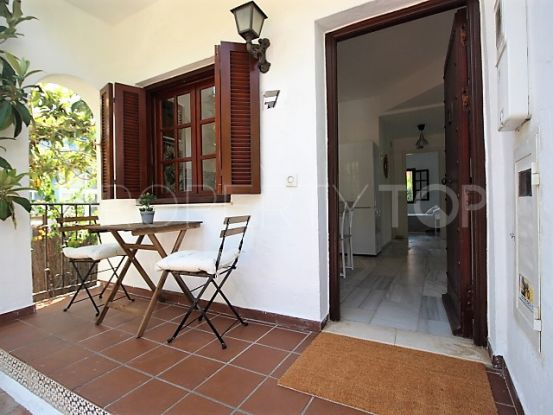 Buy house in Estepona | Campomar Real Estate