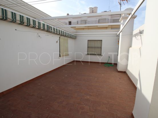 Town house in Estepona Centro with 7 bedrooms | Campomar Real Estate