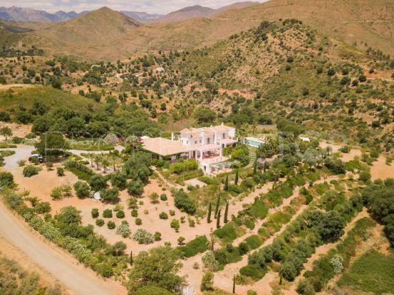 For sale 9 bedrooms estate in La Mairena, Marbella East | Campomar Real Estate