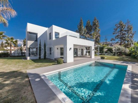 Villa with 4 bedrooms for sale in El Paraiso, Estepona | Campomar Real Estate