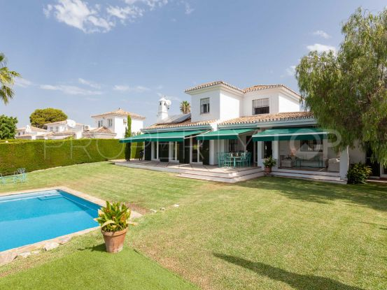 For sale 4 bedrooms villa in Calahonda, Mijas Costa | Pure Living Properties
