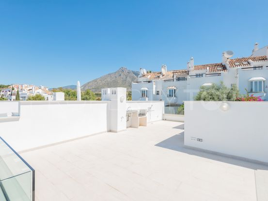 Town house with 3 bedrooms for sale in Marbella Golden Mile | Pure Living Properties