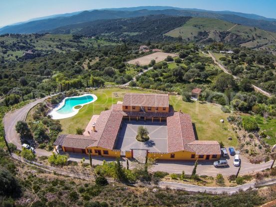 10 bedrooms Casares cortijo for sale | Villas & Fincas