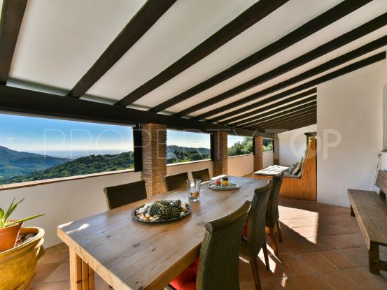 For sale Casares country house with 4 bedrooms | Villas & Fincas