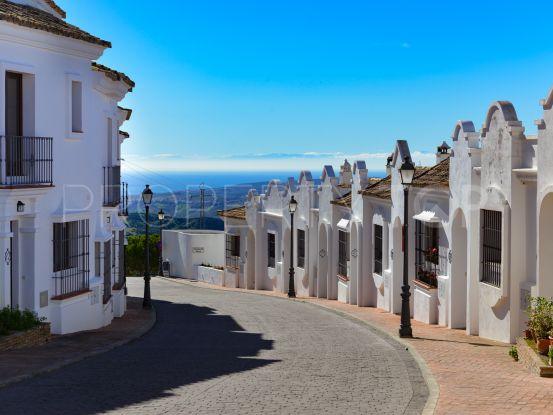 House for sale in Casares with 3 bedrooms   Villas & Fincas