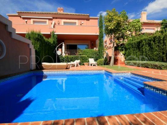 Semi detached villa in Altos de Puente Romano for sale | Hansa Realty