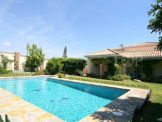 For sale villa with 4 bedrooms in New Golden Mile, Estepona | Hansa Realty