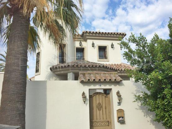 For sale villa with 4 bedrooms in Las Chapas, Marbella East | Hansa Realty