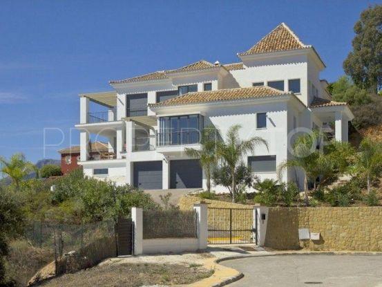 Villa for sale in Los Altos de los Monteros | Hansa Realty