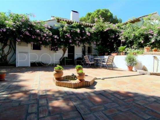 For sale country house with 4 bedrooms in Los Reales - Sierra Estepona | Inmo Andalucía