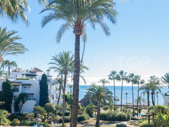 Penthouse with 2 bedrooms for sale in Alcazaba Beach, Estepona | Inmo Andalucía