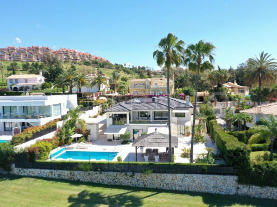 For sale villa in Los Naranjos Golf with 5 bedrooms | Andalucía Development