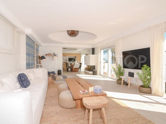 El Oasis Club 3 bedrooms duplex for sale | Nevado Realty Marbella