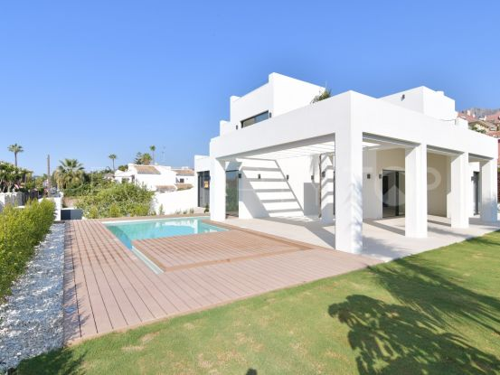 Villa for sale in Marbella Centro with 4 bedrooms | Nevado Realty Marbella