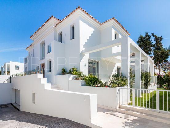 For sale villa with 5 bedrooms in Cortijo Blanco | Nevado Realty Marbella