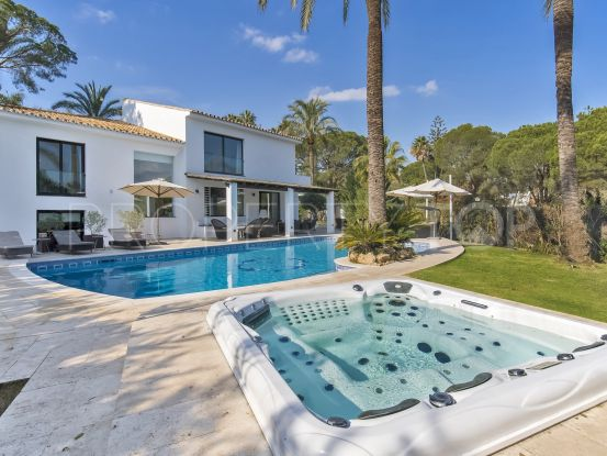 Nueva Andalucia 4 bedrooms villa | Crown Estates Marbella