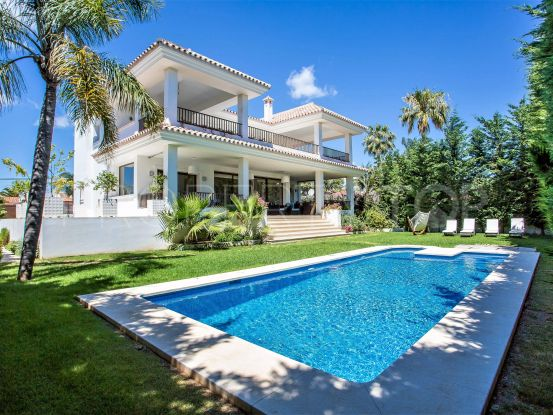 For sale villa with 5 bedrooms in Cortijo Blanco, San Pedro de Alcantara | Crown Estates Marbella