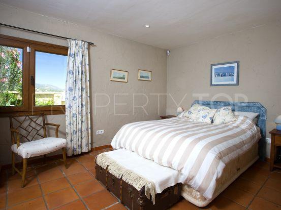 Villa for sale in Estepona with 3 bedrooms | Crown Estates Marbella