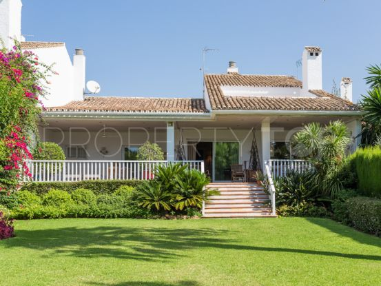 For sale town house in Guadalmina Baja   Villa & Gest