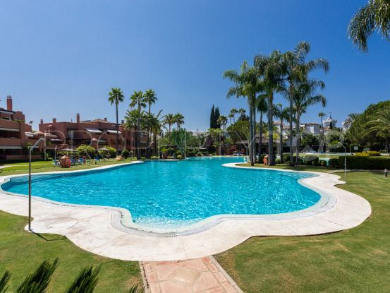 For sale duplex in Alhambra del Golf | Villa & Gest