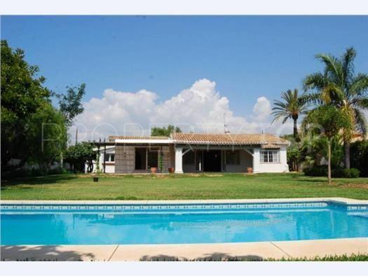 Villa for sale in Linda Vista Baja with 3 bedrooms   Villa & Gest