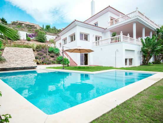 El Paraiso 6 bedrooms villa for sale | DM Properties
