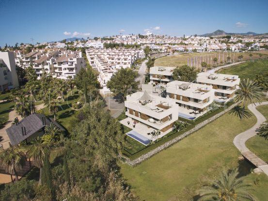 For sale villa with 5 bedrooms in El Campanario, Estepona | DM Properties