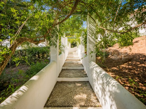 Finca for sale in Coin with 8 bedrooms | DM Properties