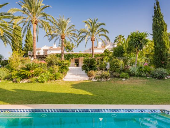 For sale villa with 6 bedrooms in Marbella Hill Club, Marbella Golden Mile | DM Properties
