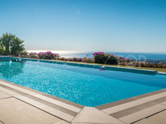 Country house with 5 bedrooms for sale in El Velerin, Estepona | DM Properties