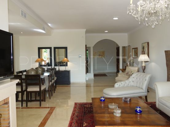 For sale ground floor apartment in San Roque Club with 3 bedrooms | John Medina Real Estate