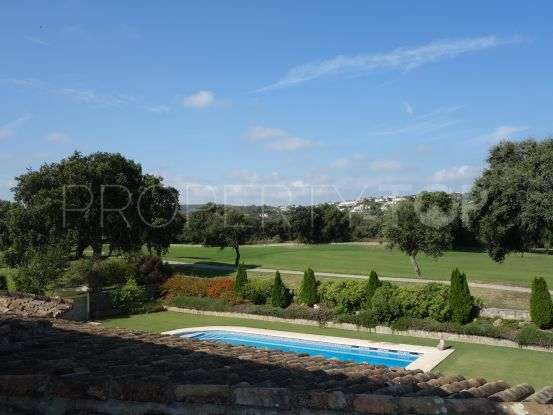 For sale villa in San Roque Club with 7 bedrooms | John Medina Real Estate